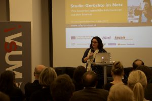 k-VsUM_Symposium-2017_Barbara-Buchegger_03
